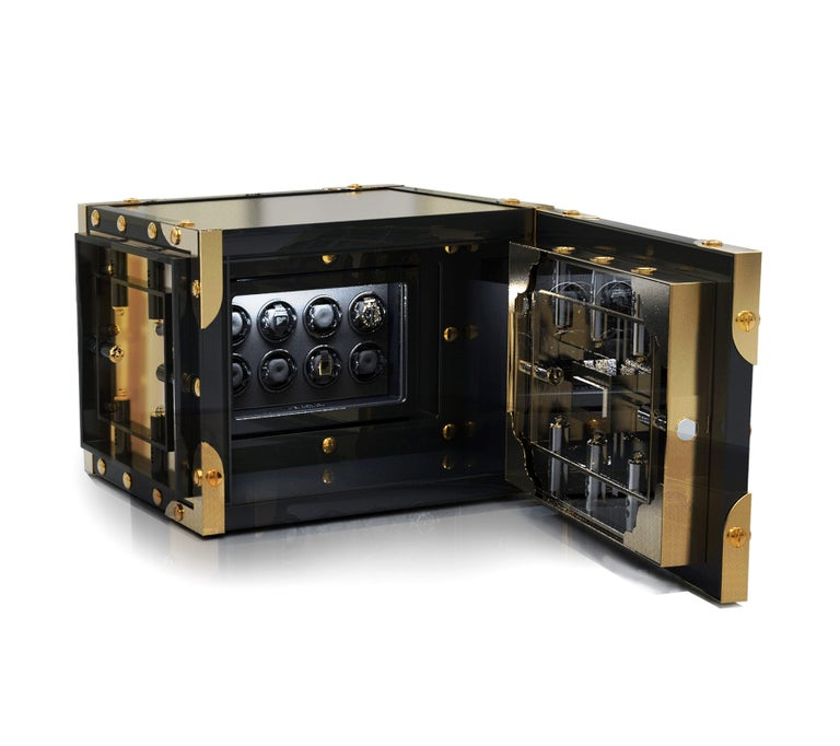 The Fort Knox has captured the collective imagination as the safe-heaven for the world's greatest gold reserve, with cutting edge security standards and notorious underground vaults. Strong, impenetrable, precise, the Knox Luxury watch winder