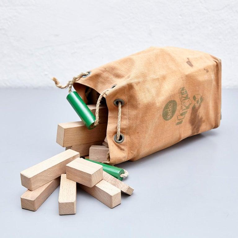 Ko Verzuu for Ado, Mid Century Modern, Wood Blocks Construction Netherlands Toy  In Fair Condition For Sale In Barcelona, Barcelona