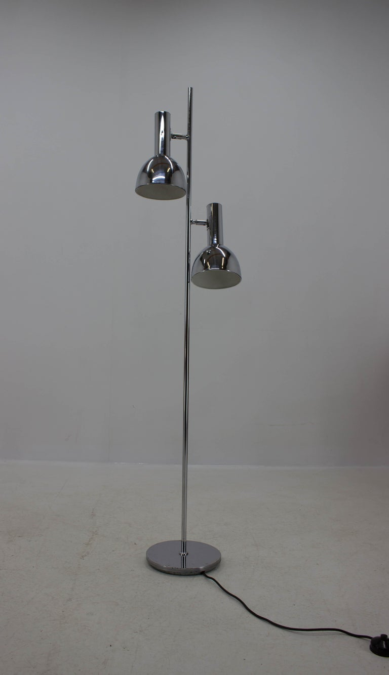 Floor lamp in Koch & Lowy style, made in Germany in 1970s, signed on the bottom DBGM, original switch, new wiring, 2 x E27 or E26 bulbs.