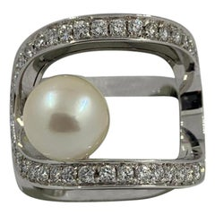 Koesis Ring in White Gold with White Pearl and Diamonds '0.72 Carat'