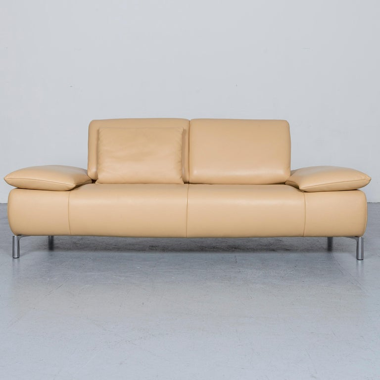 We bring to you an Koinor Goya designer leather sofa crème beige three-seat couch.