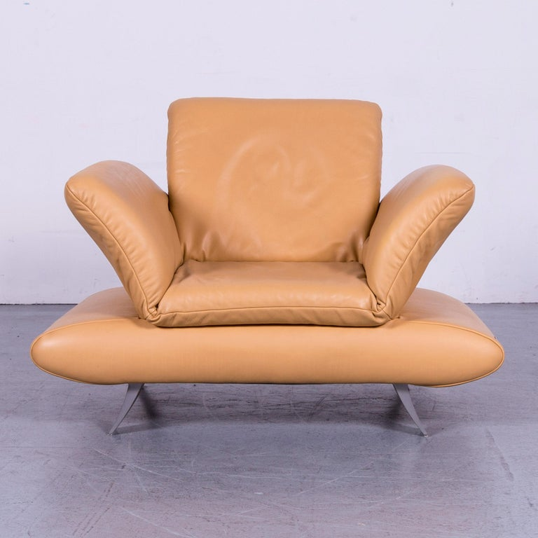 We bring to you an Koinor Rossini designer leather armchair beige one-seat.