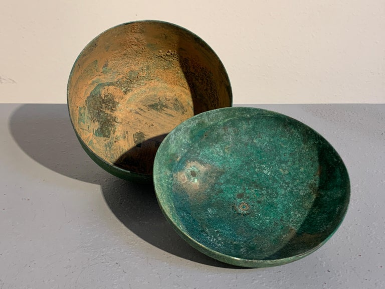 Korean Goryeo Dynasty Bronze Bowl and Cover with Green Patina, 13th Century For Sale 1