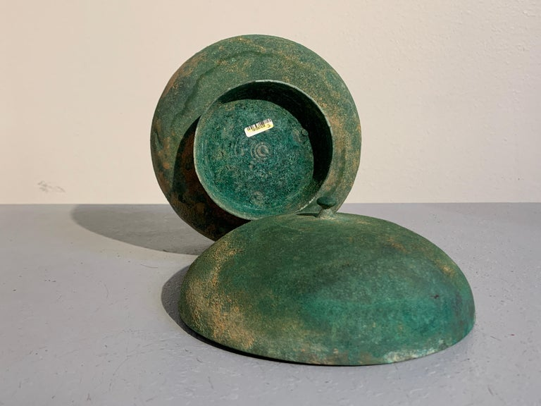Korean Goryeo Dynasty Bronze Bowl and Cover with Green Patina, 13th Century For Sale 2
