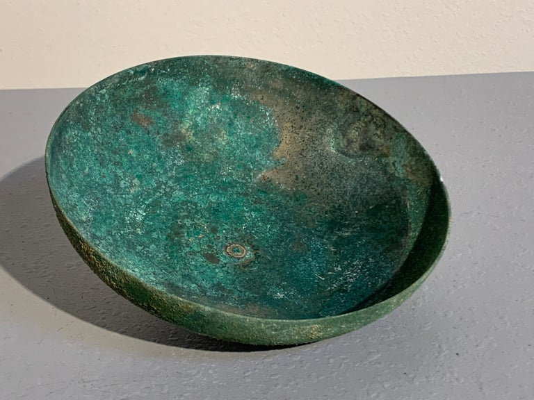 Korean Goryeo Dynasty Bronze Bowl and Cover with Green Patina, 13th Century For Sale 4