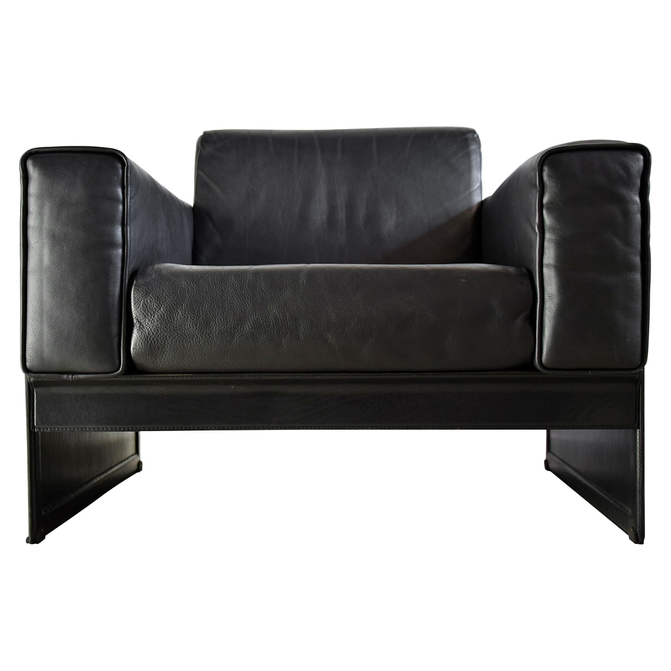Pair of Korium Black Leather Lounge Chairs by Tito Agnoli for Matteo Grassi