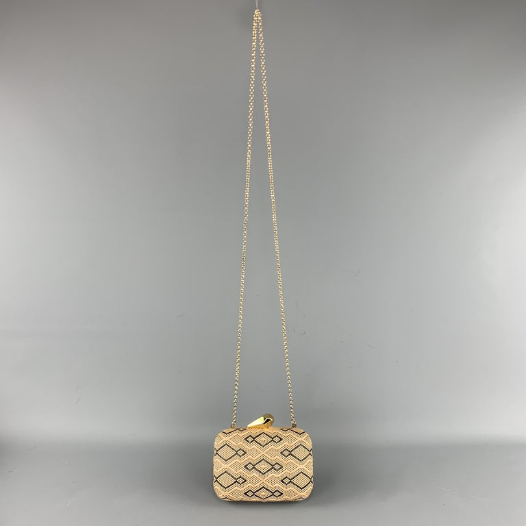 KOTUR Beige & Black Fabric Woven Gold Chain Handbag In Excellent Condition For Sale In San Francisco, CA