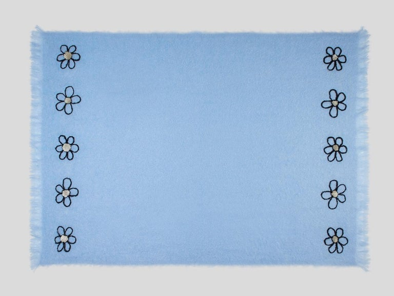 Kowhai - Hand Embroidered sweet blue Throw Blanket In New Condition For Sale In Breda, NL