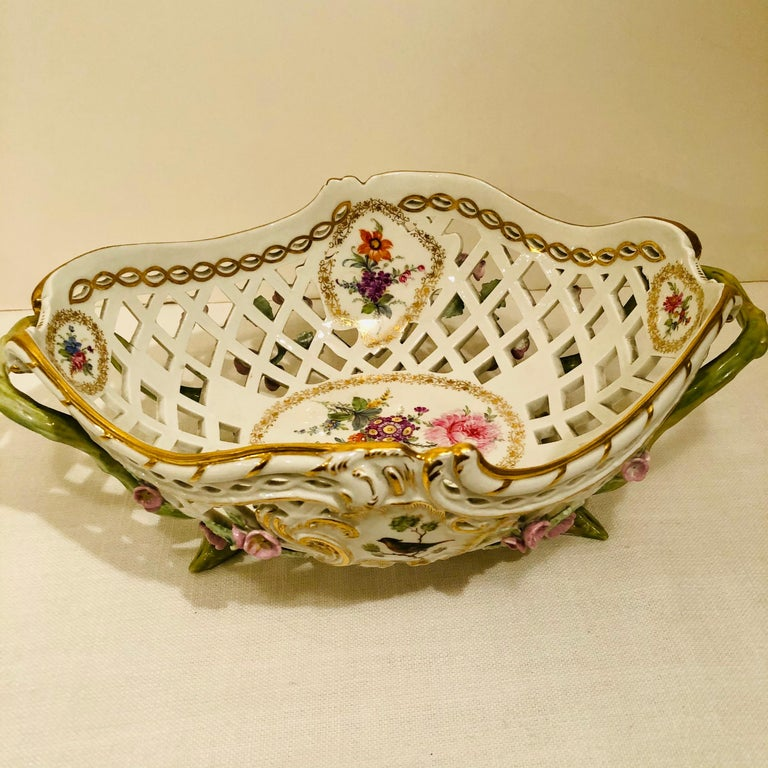 KPM Openwork Bowl with Raised Pink Flowers and Painted Birds on Both Sides For Sale 3