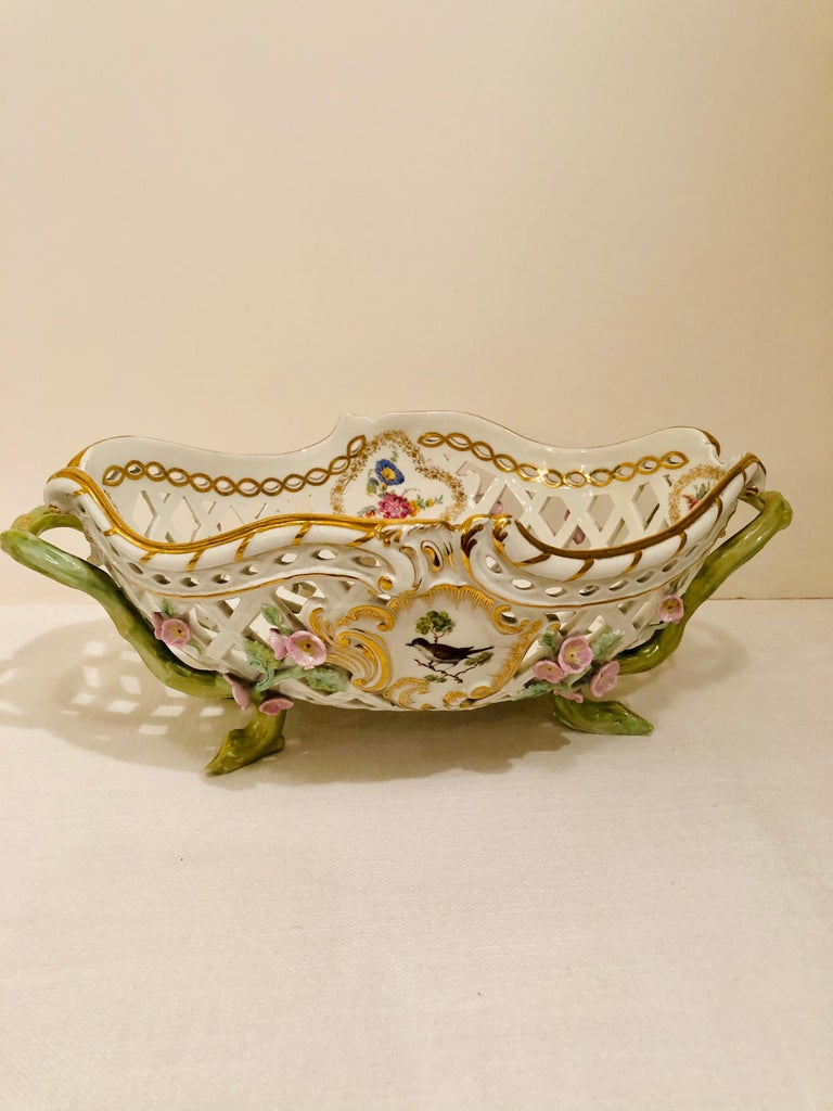 KPM Openwork Bowl with Raised Pink Flowers and Painted Birds on Both Sides For Sale 5