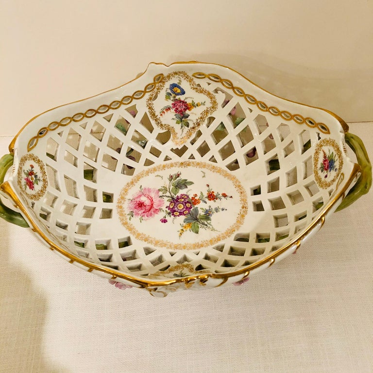 KPM Openwork Bowl with Raised Pink Flowers and Painted Birds on Both Sides For Sale 1