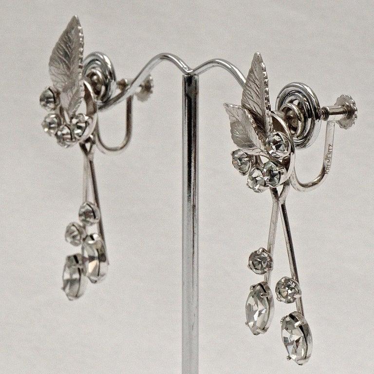 Krementz 14K White Gold Overlay Leaf Design Rhinestone Necklace and Earring Set For Sale 12