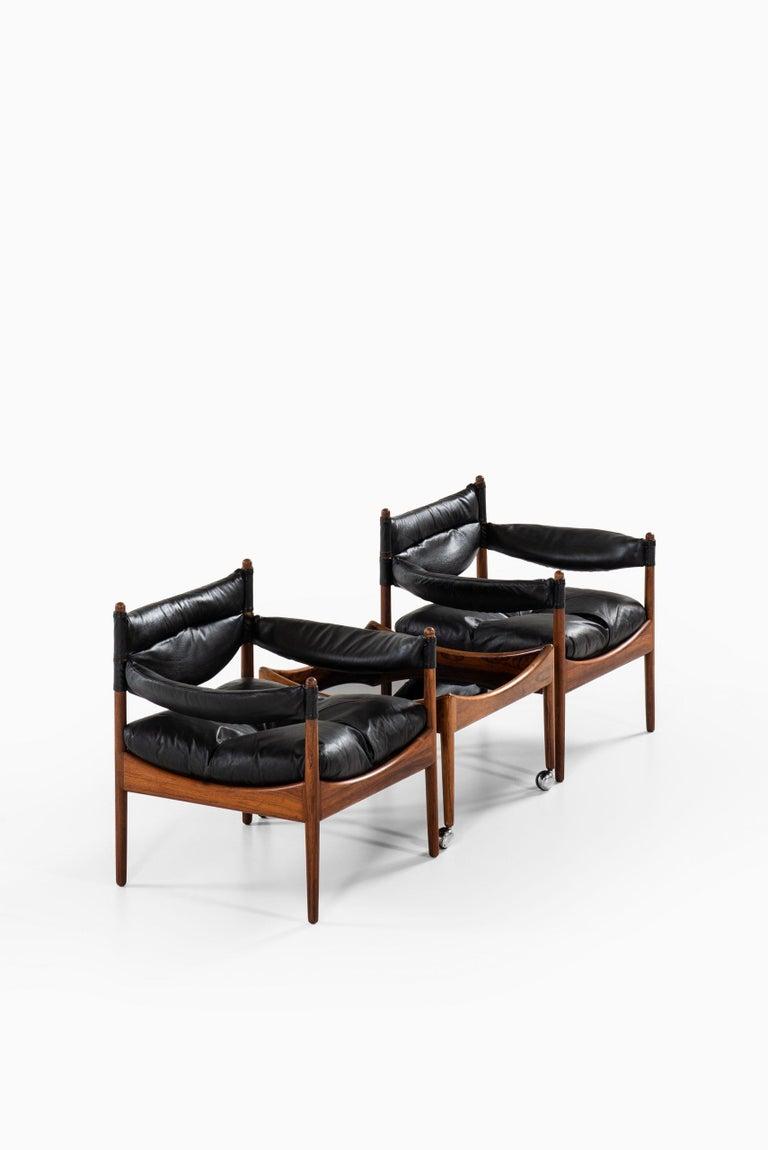 Scandinavian Modern Kristian Solmer Vedel Easy Chairs with Side Table by Søren Willadsen Møbelfabrik For Sale