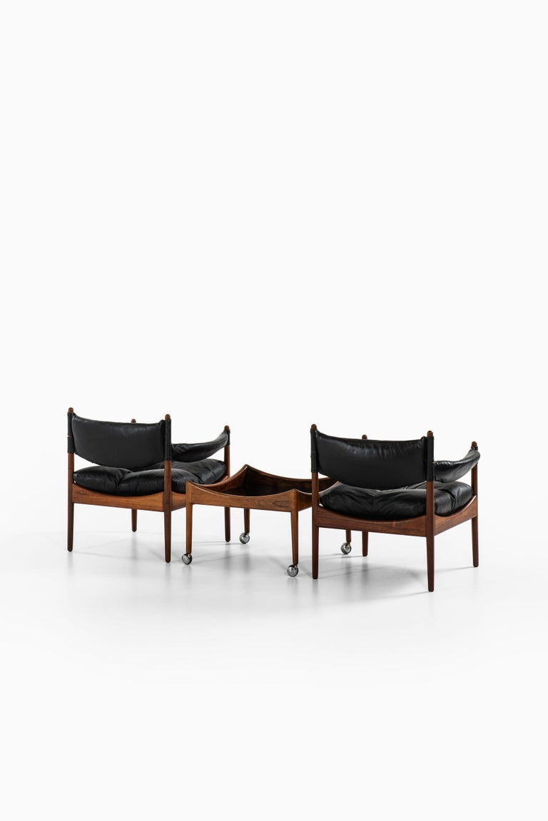 Kristian Solmer Vedel Easy Chairs with Side Table by Søren Willadsen Møbelfabrik In Good Condition For Sale In Malmo, SE