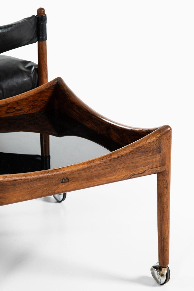 Kristian Solmer Vedel Easy Chairs with Side Table by Søren Willadsen Møbelfabrik For Sale 1