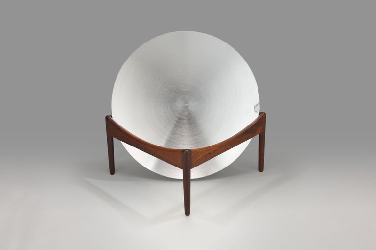 In 1963, Danish designer Kristian Vedel designed a series of seating furniture and tables under the name 'Modus' for Danish manufacturer Søren Willadsen, from this series comes this so-called fruit bowl that can also serve for storing and 'showing'