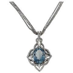 Kristina 18 Karat White Gold Necklace with Diamonds and Aquamarine