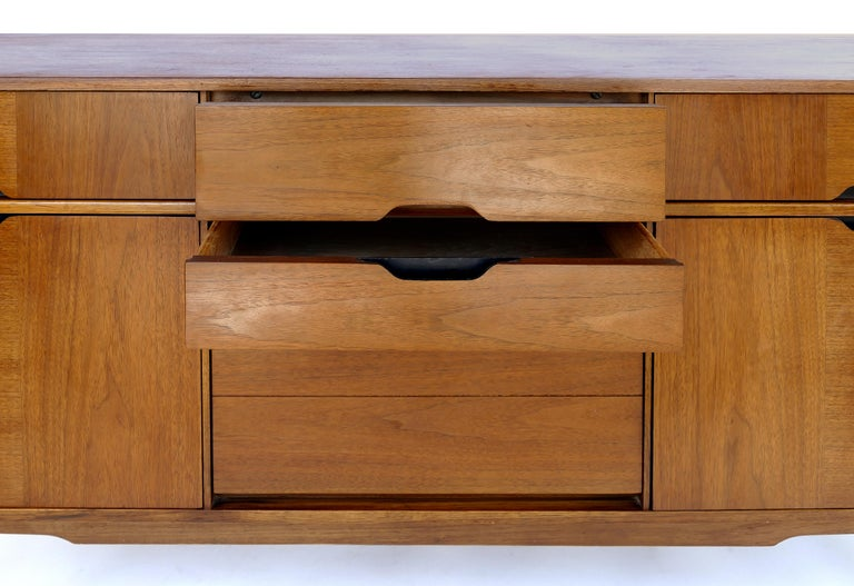 Kroehler Custom Crafted Mid-Century Modern Credenza 2