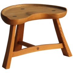 Krogenæs Møbler, Three Legged Stool, Sculpted Pine, circa 1950s, Norway