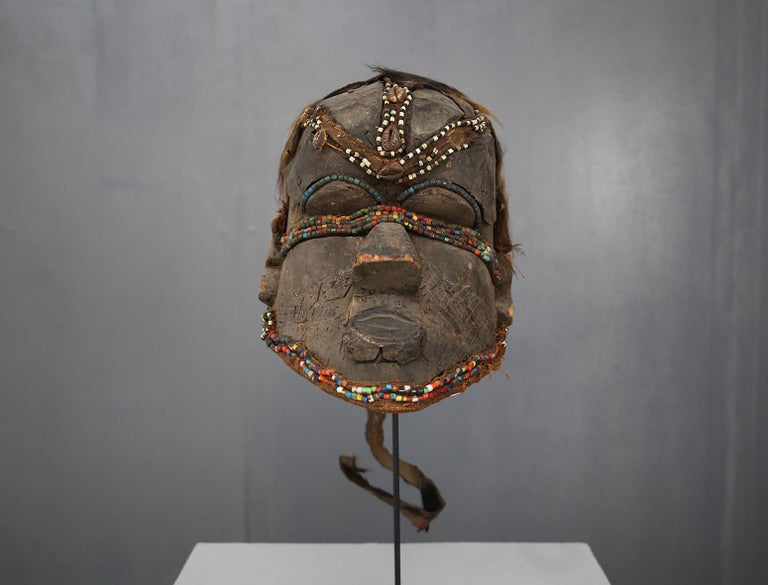 1620s Kuba Mask African Bwoom Tribal Congo in Wood, Vibrates Vegetables, Animal Hair For Sale