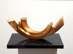 Balance 2 by Kuno Vollet - Contemporary elegant Golden polished Bronze sculpture