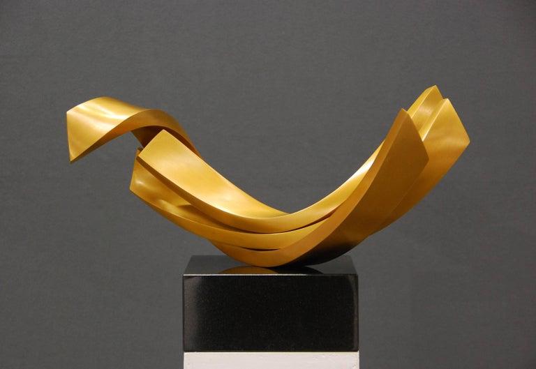 Balance by Kuno Vollet - Contemporary elegant Golden polished Bronze sculpture For Sale 2