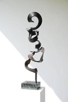 High Schwerelos by Kuno Vollet - Tall Contemporary Black bronze sculpture