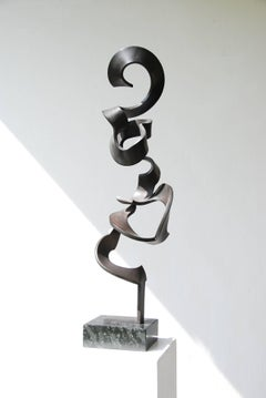 High Schwerelos by Kuno Vollet - Tall Contemporary Black bronze sculpture