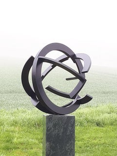 Intertwined by Kuno Vollet - Contemporary Circular Steel sculpture