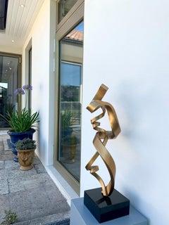 Love's Bond by Kuno Vollet - Contemporary Golden bronze sculpture