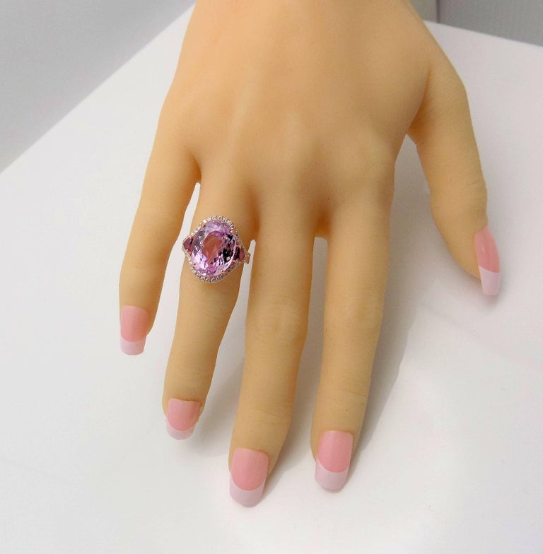 Kunzite and Diamond Ring In New Condition For Sale In Dallas, TX