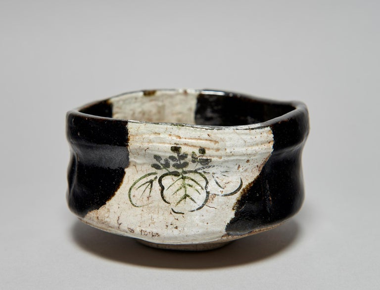 Taisho Kuro-Oribe Chawan / Tea Bowl For Sale