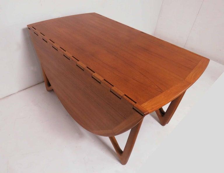 Mid-20th Century Kurt Ostervig Danish Teak Gate Leg Drop-Leaf Oval Dining Table, circa 1960s For Sale