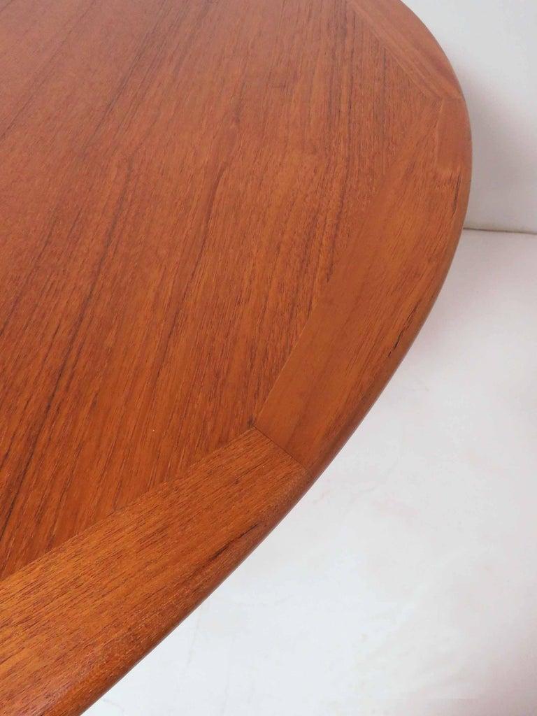 Kurt Ostervig Danish Teak Gate Leg Drop-Leaf Oval Dining Table, circa 1960s For Sale 3