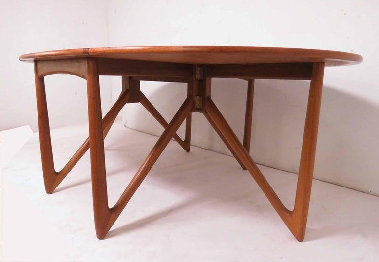 Kurt Ostervig Danish Teak Gate Leg Drop-Leaf Oval Dining Table, circa 1960s For Sale 4