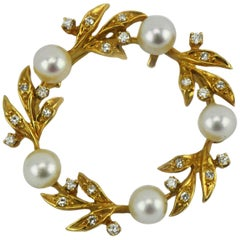 Kurt Wayne 14 Karat Pearl Diamond Wreath Pendant