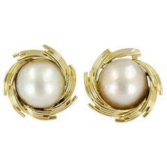 Kurt Wayne 18 Karat Yellow Gold Mabe Pearl Clip Earrings