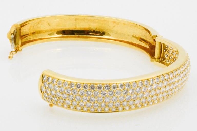 Kurt Wayne 18 Karat Yellow Gold and Pave Diamond Bangle For Sale 2