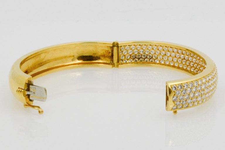 Kurt Wayne 18 Karat Yellow Gold and Pave Diamond Bangle For Sale 3