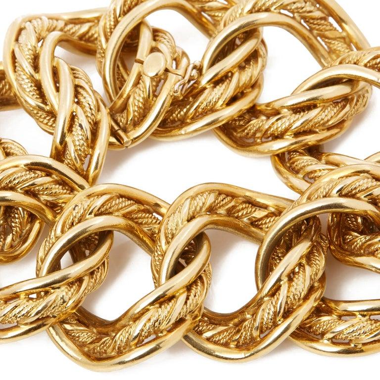 Kutchinsky 18 Karat Yellow Gold 1960's Heavy Link Vintage Bracelet In Excellent Condition In Bishop's Stortford, Hertfordshire