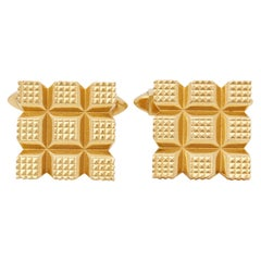 Kutchinsky 18 Karat Yellow Gold Vintage Square Grooved Cufflinks