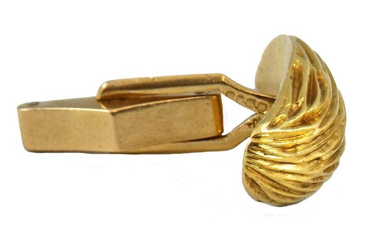 Women's or Men's Kutchinsky, London, 18 Karat Gold Cufflinks For Sale