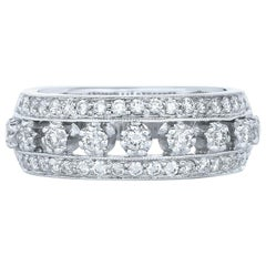 Kwiat Diamond Ring from the Stardust Collection in 18 Karat White Gold