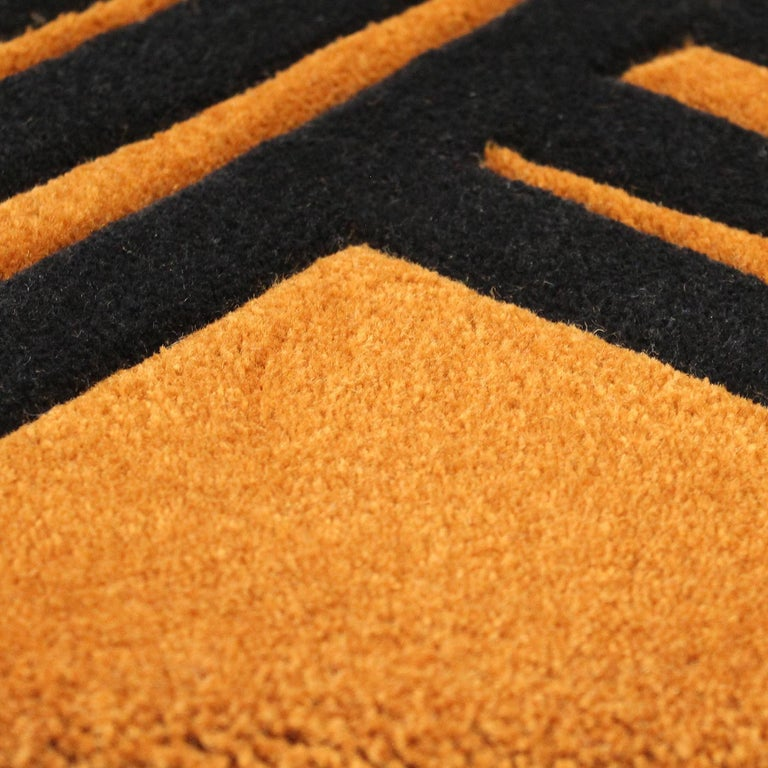 Kyrin Gold Rug by Roberta Mari e Silvia Pio In New Condition For Sale In Milan, IT