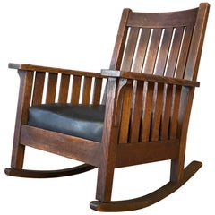 L. & J.G. Stickley Arts & Crafts Eiche und Leder Rocker, ca. 1920er Jahre