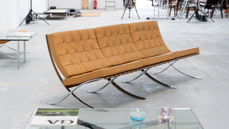 L. Mies van der Rohe, 3 Barcelona Chair, 1962 Edition by Knoll International For Sale 9
