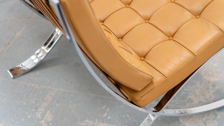 L. Mies van der Rohe, 3 Barcelona Chair, 1962 Edition by Knoll International For Sale 10
