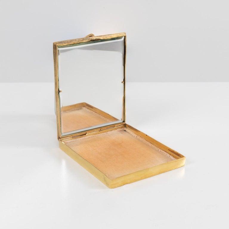 French La Balayeuse Du Sacré-cœur, Gilded Bronze Powder Compact, Line Vautrin, 'France' For Sale