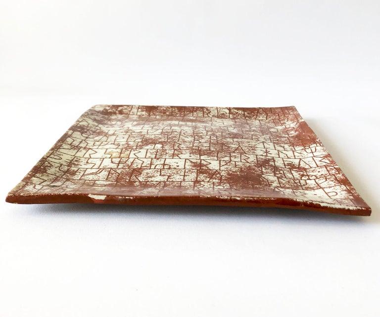 Mid-Century Modern La Gardo Tackett California Studio Ceramic Platter with Paleolithic Design For Sale