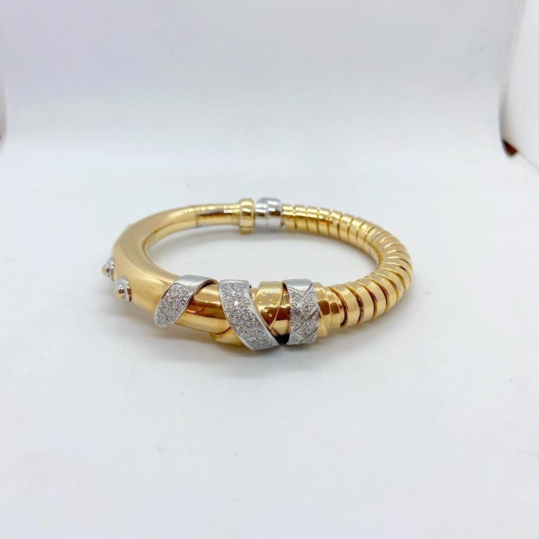 La Nouvelle Bague 18 Karat Gold and Diamond .82 Carat Tubogas Bangle Bracelet In New Condition For Sale In New York, NY